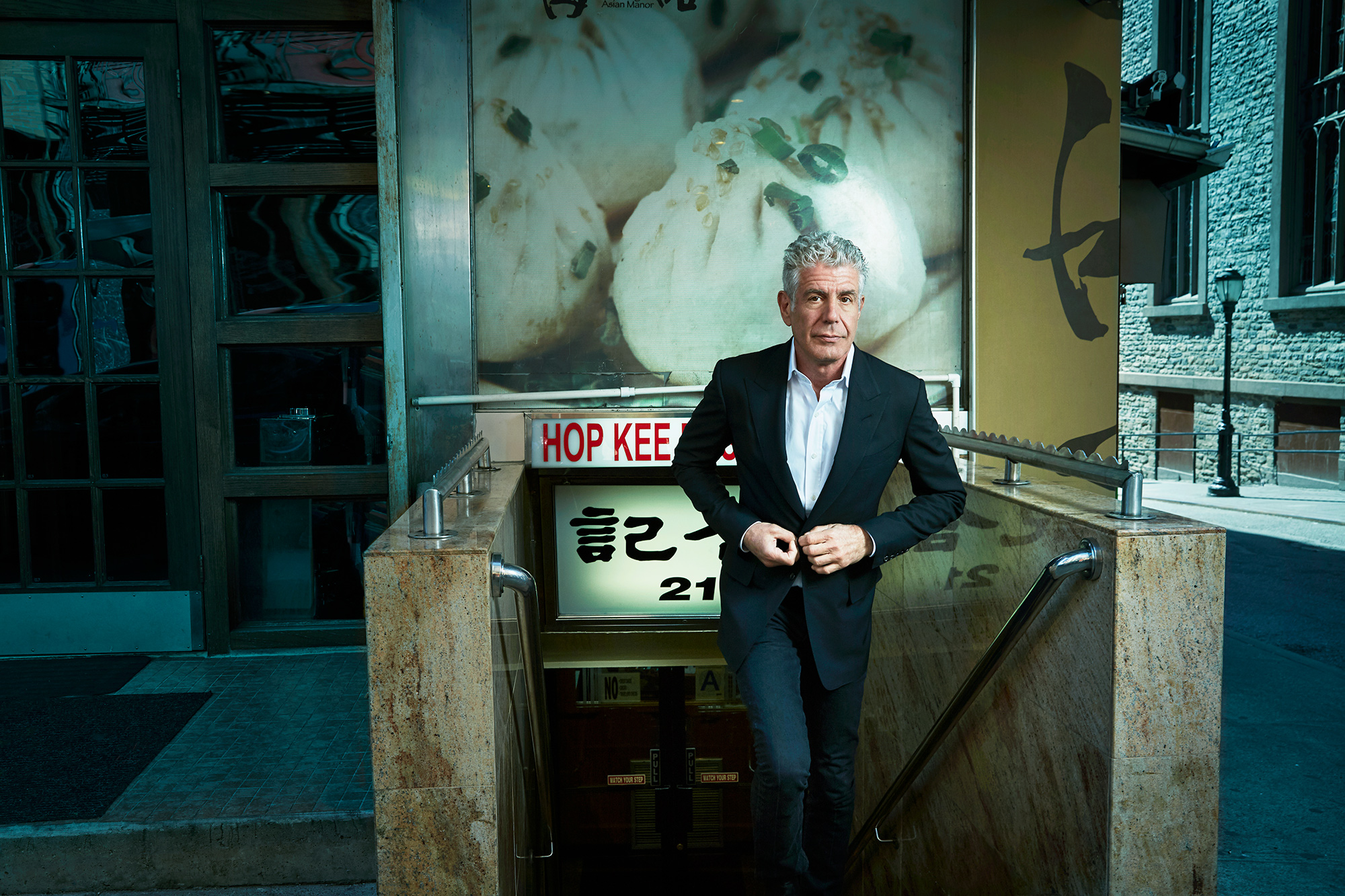 Anthony-Bourdain-by-Robert-Ascroft-02