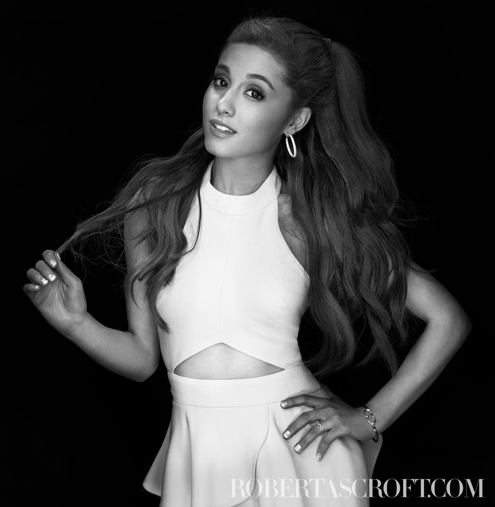 Ariana-Grande-by-Robert-Ascroft-02
