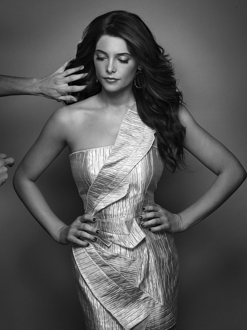 Ashley-Greene-By-Robert-Ascroft-01.jpg