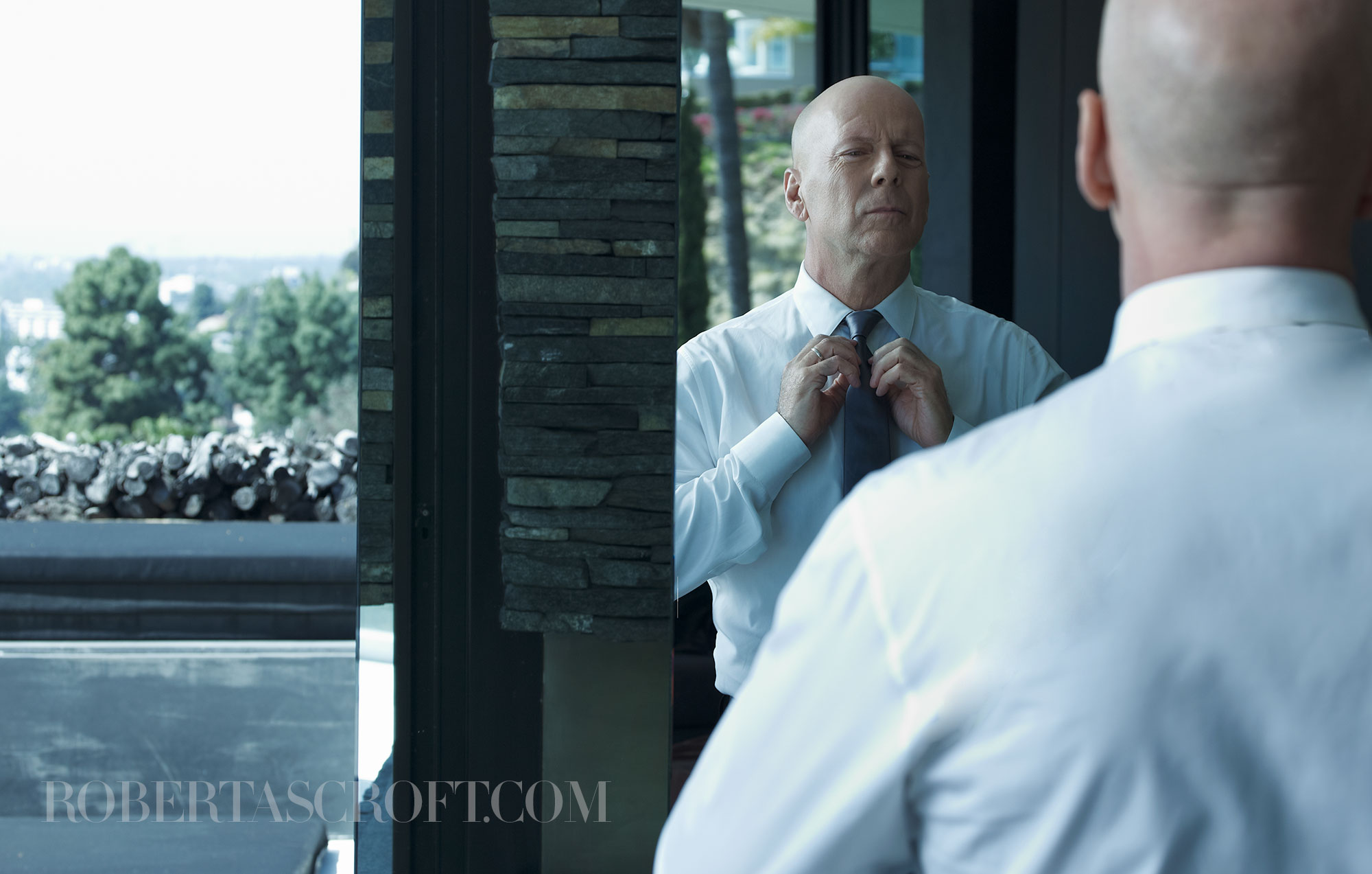 Bruce-Willis-by-Robert-Ascroft-06