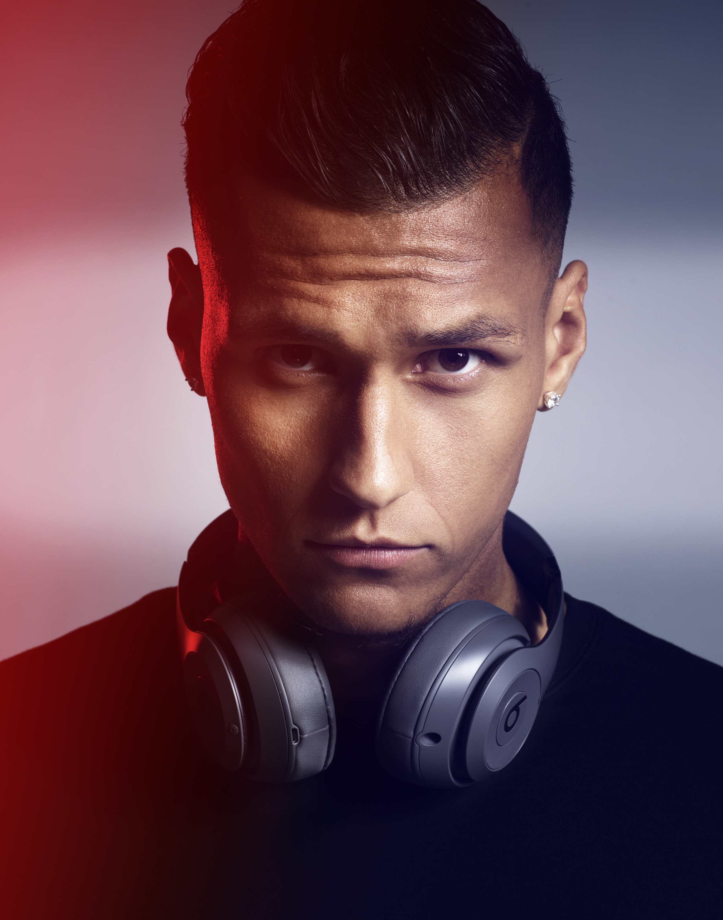 Davie-Selke-Beats-Headphones-by-Robert-Ascroft-02