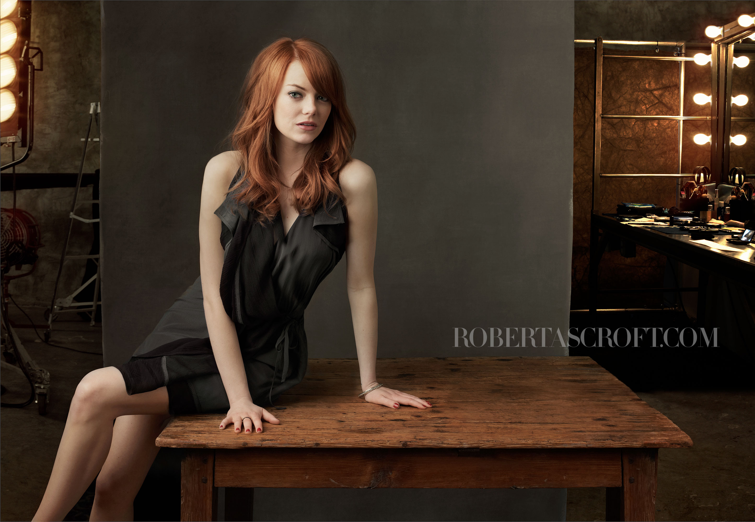 Emma-Stone-by-Robert-Ascroft-03