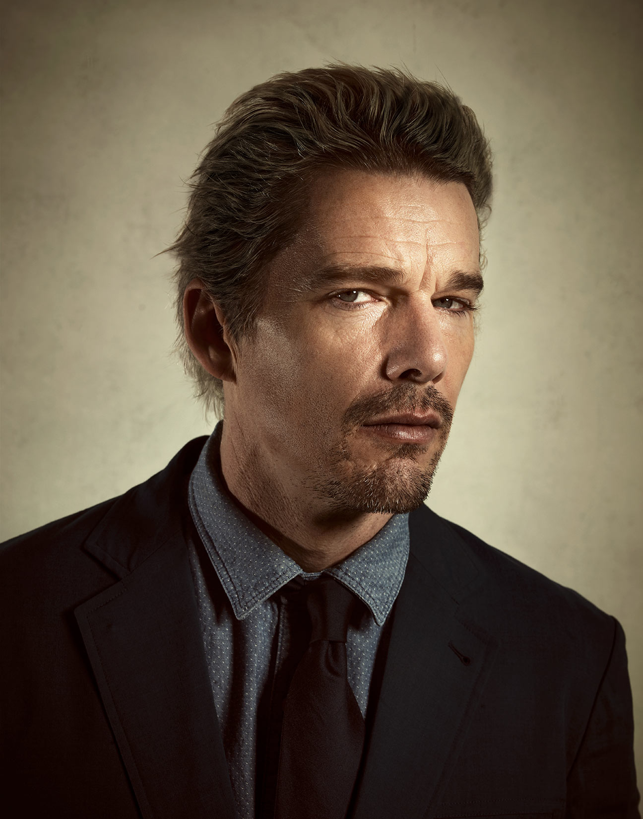 Ethan-Hawke-by-Robert-Ascroft-03-DUP.jpg