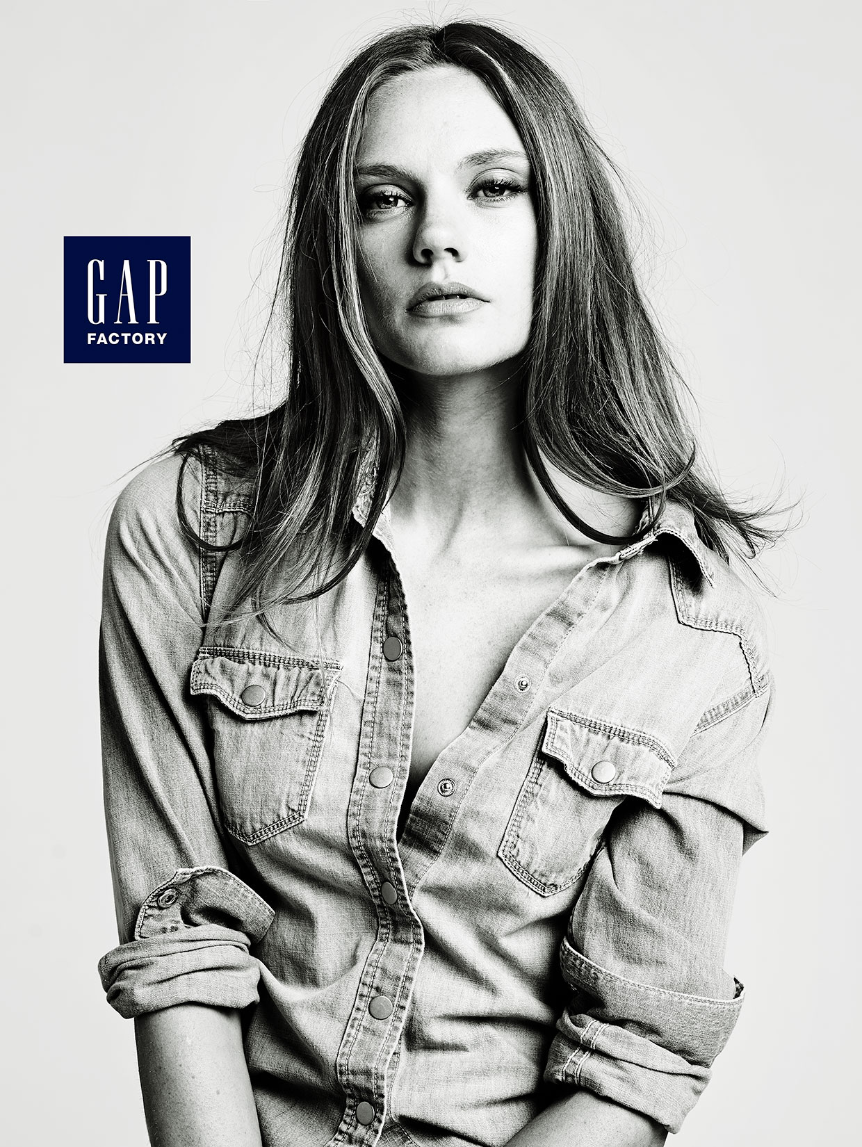 Gap-American-Woman-by-Robert-Ascroft