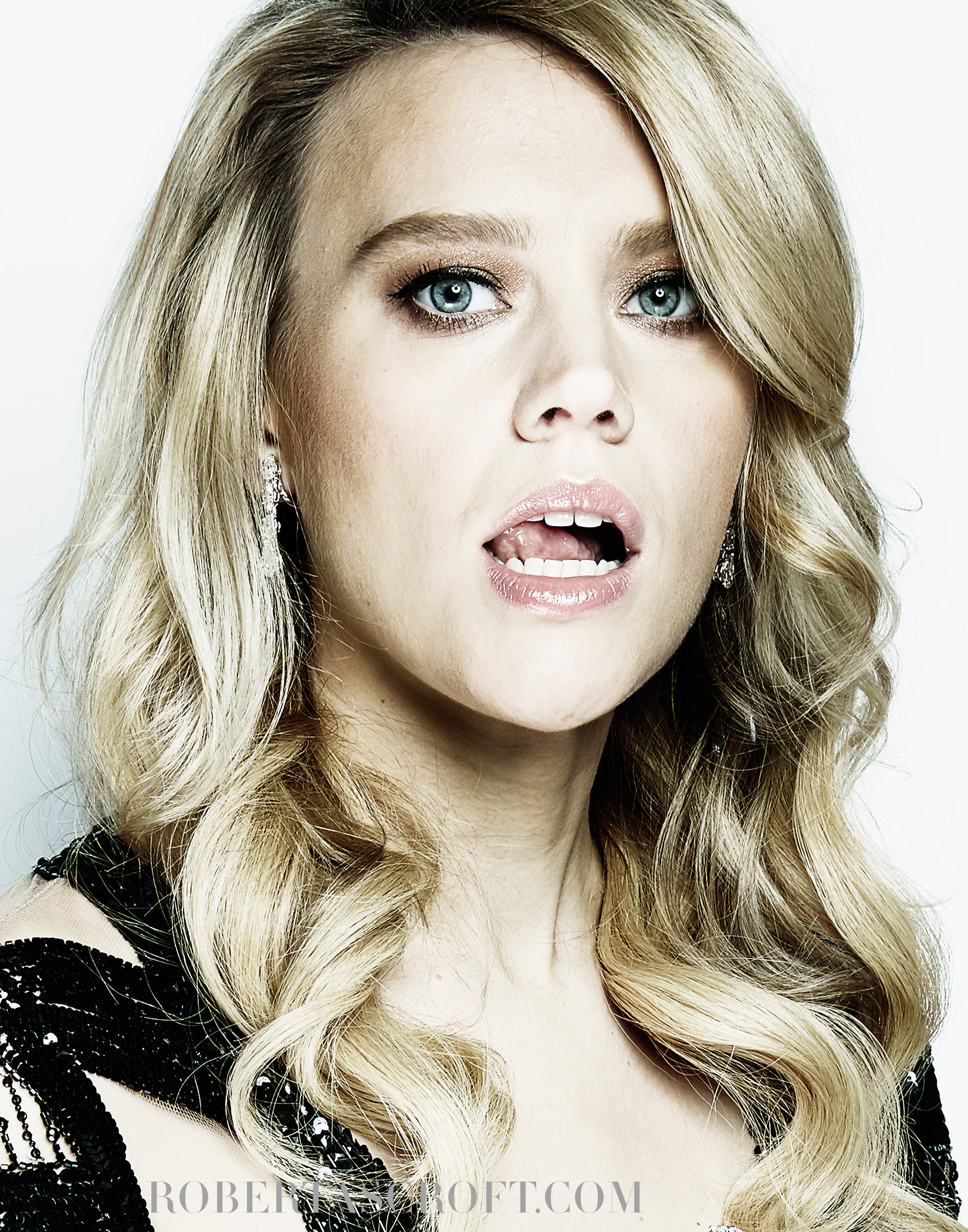 Kate-MCKINNON-BY-ROBERT-ASCROFT