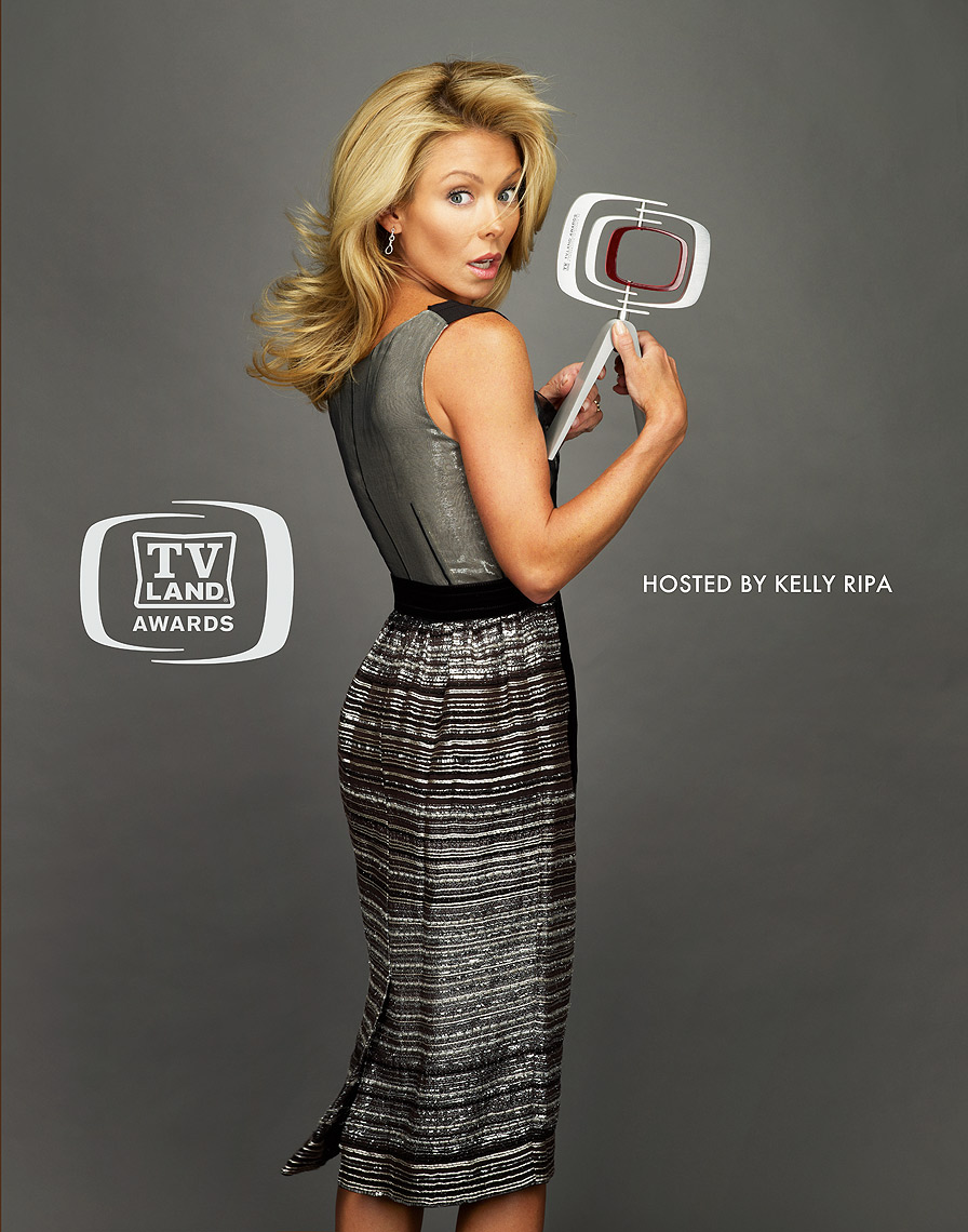 Kelly-Ripa-TVLand-by-Robert-Ascroft.jpg