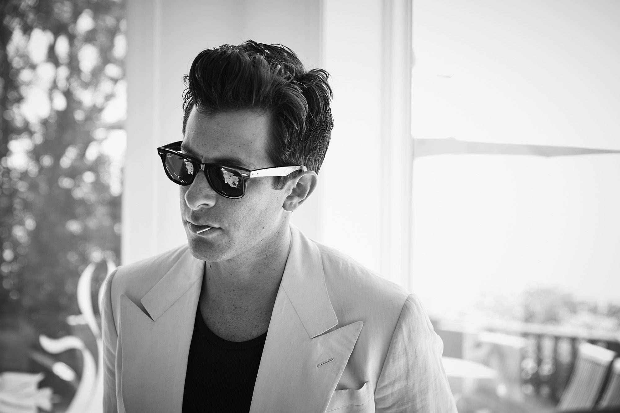 Mark-Ronson-by-Robert-Ascroft-04