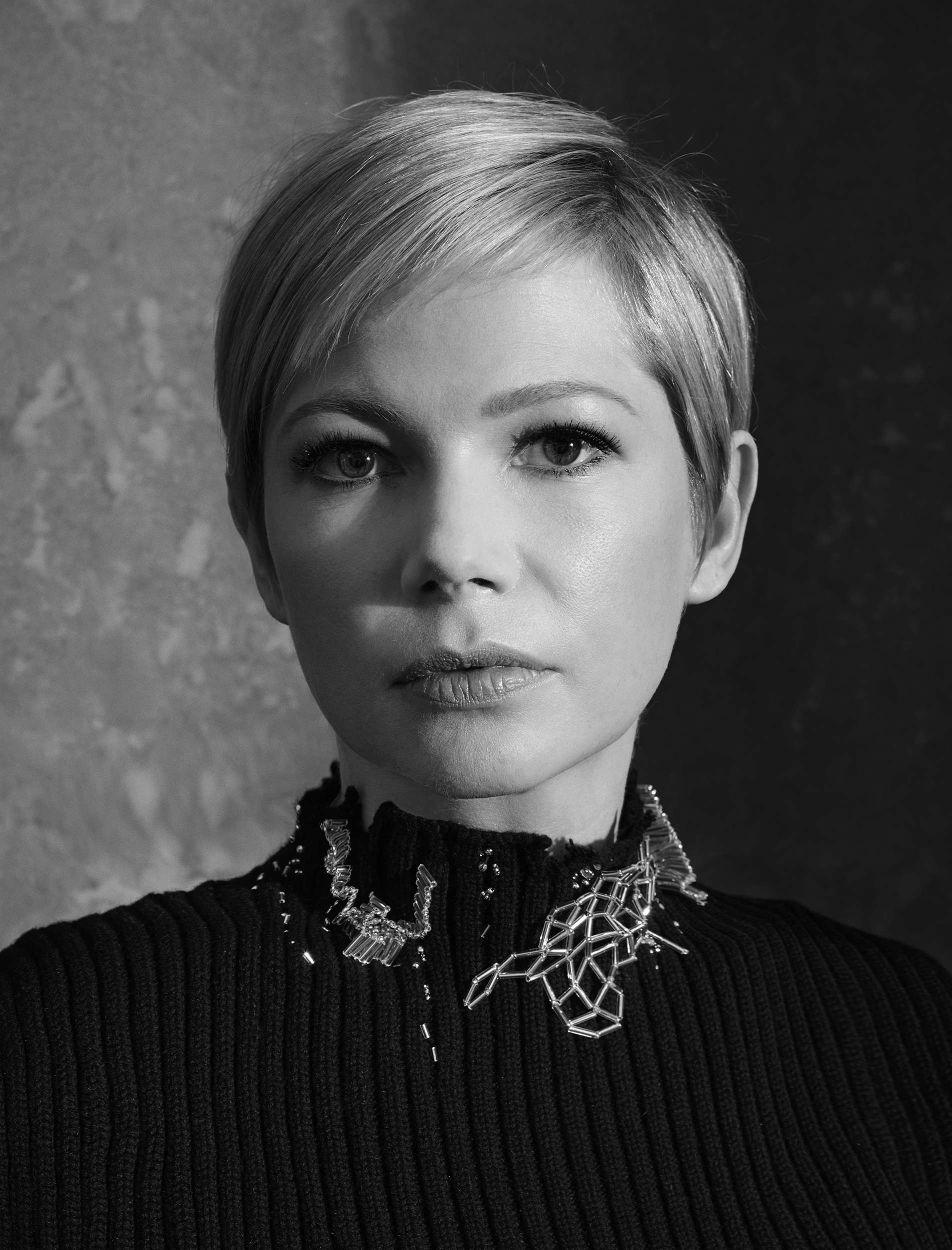 Michelle-Williams-by-Robert-Ascroft-02