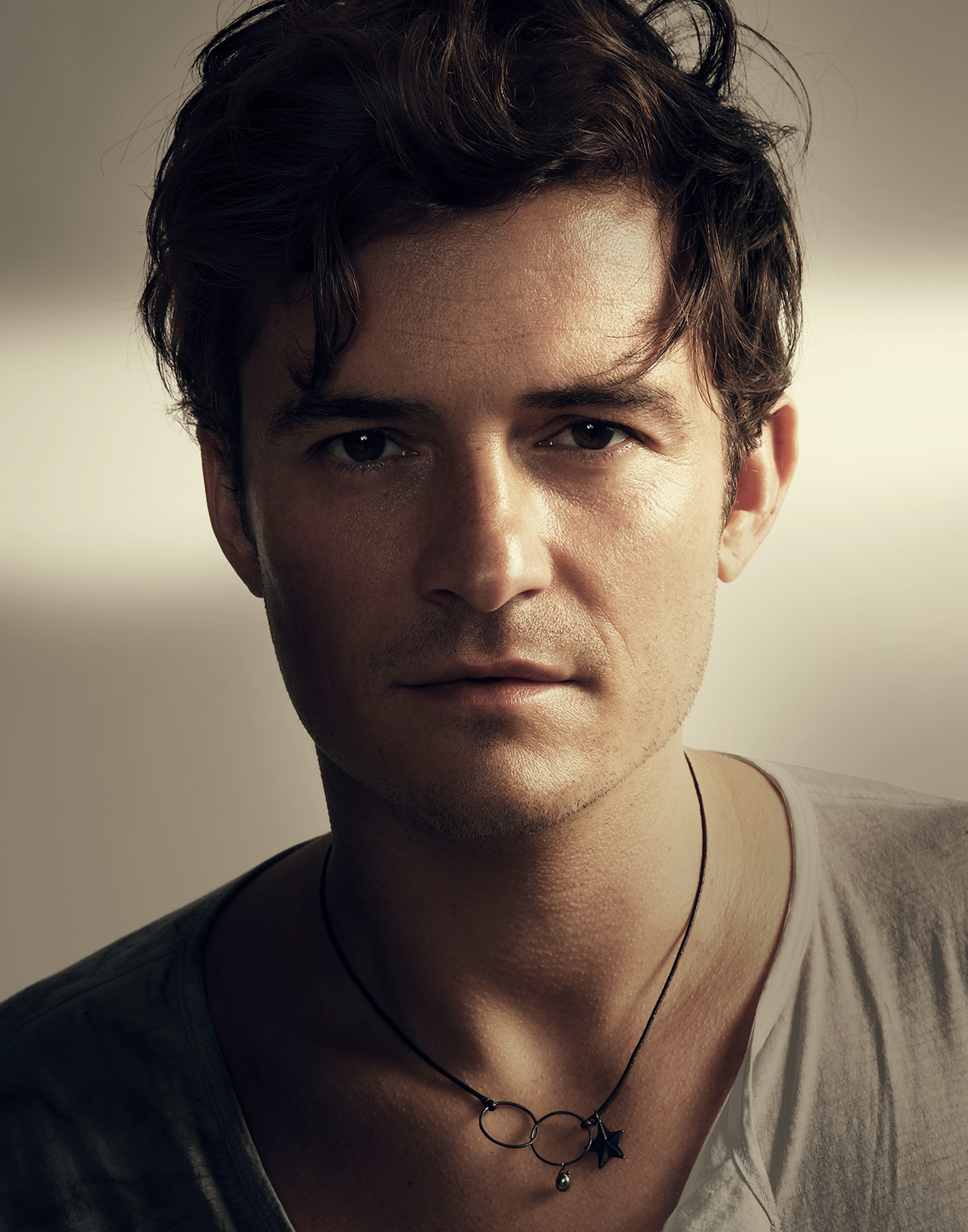 Orlando-Bloom-Portrait-by-Robert-Ascroft.jpg