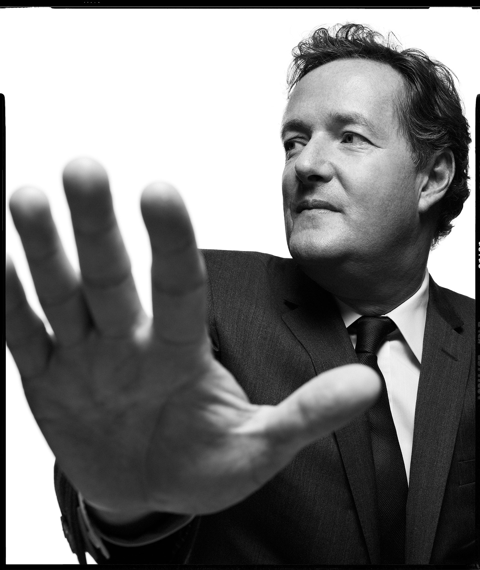 Piers_Morgan-by-Robert-Ascroft-02