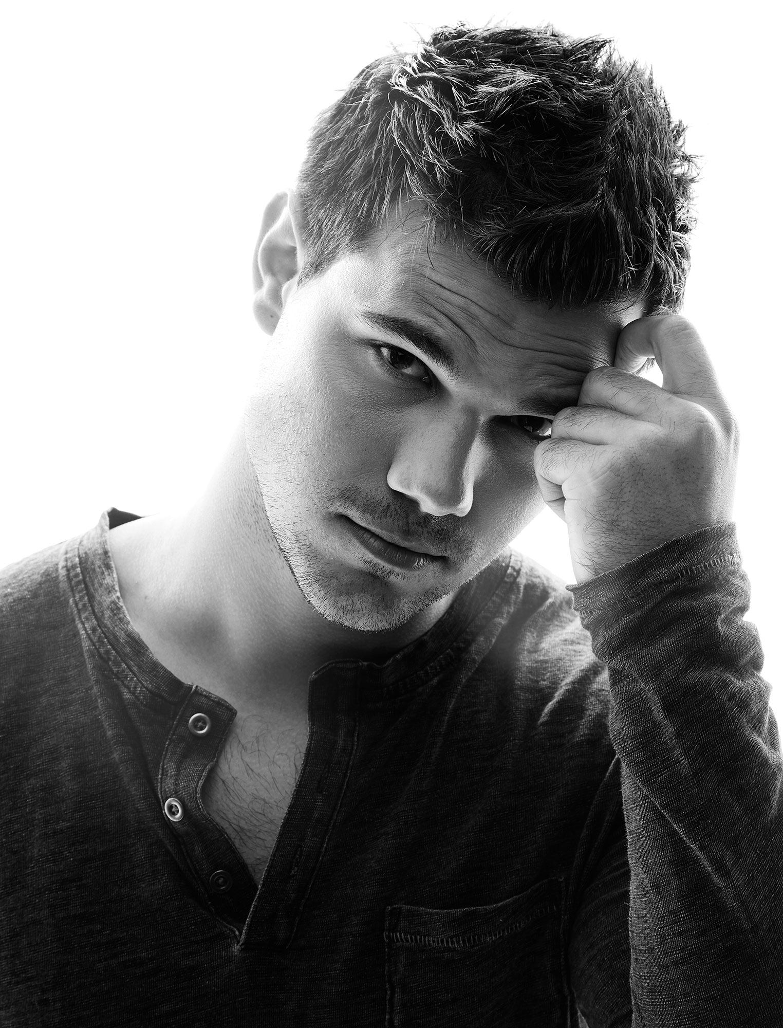 Taylor-Lautner-by-robert-ascroft