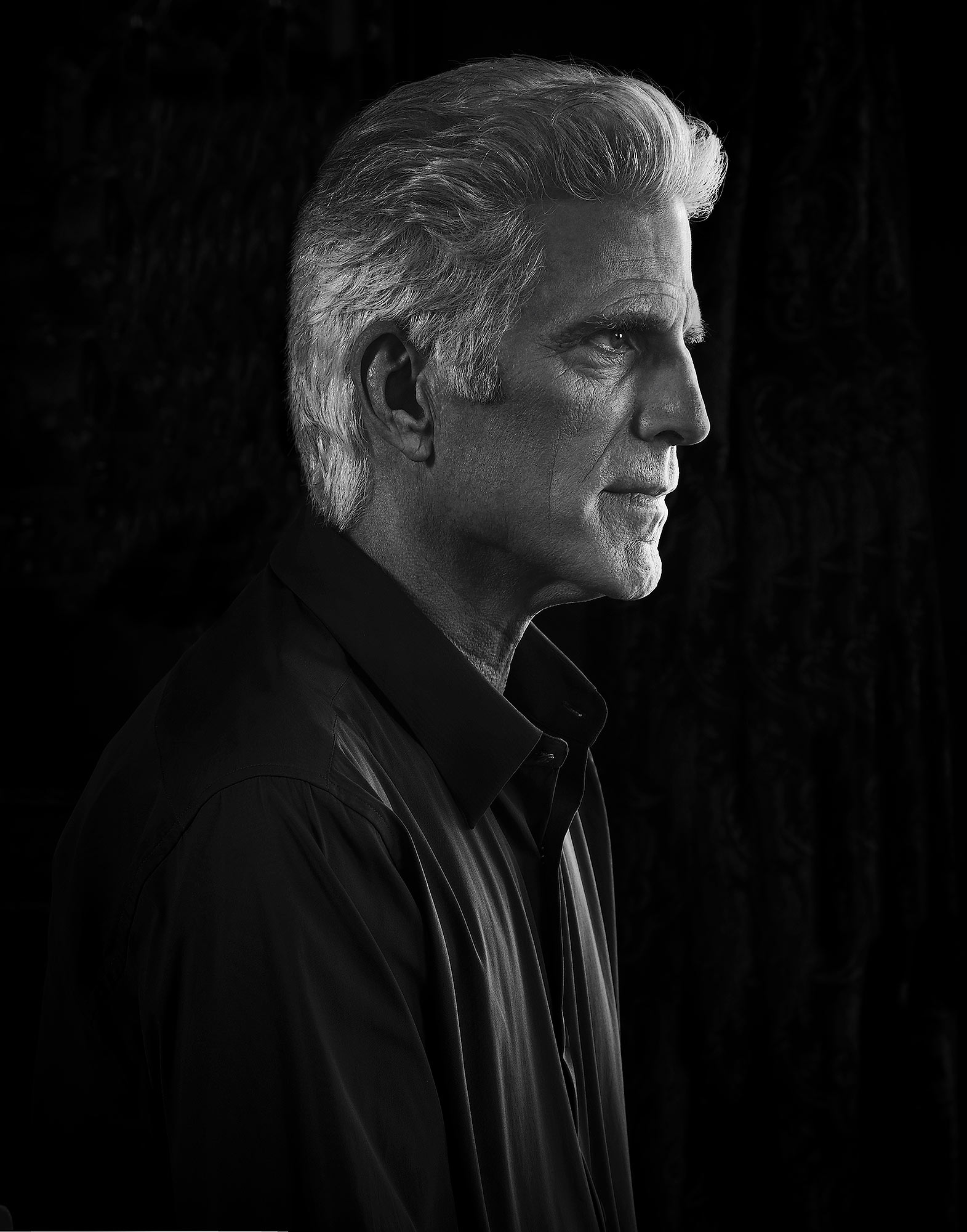 Ted-Danson-by-Robert-Ascroft-2.jpg