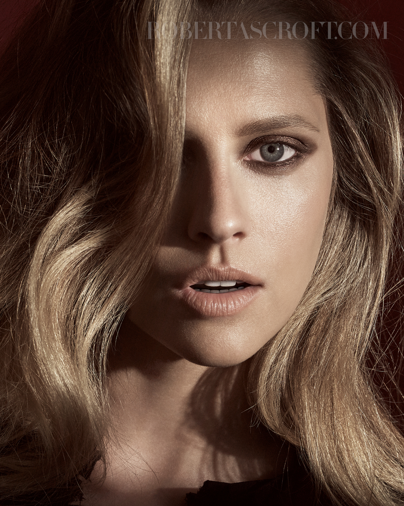 Teresa-Palmer-by-Robert-Ascroft-07