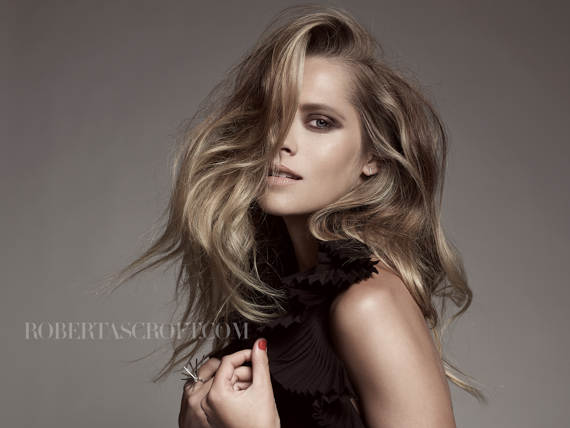 Teresa-Palmer-by-Robert-Ascroft-08