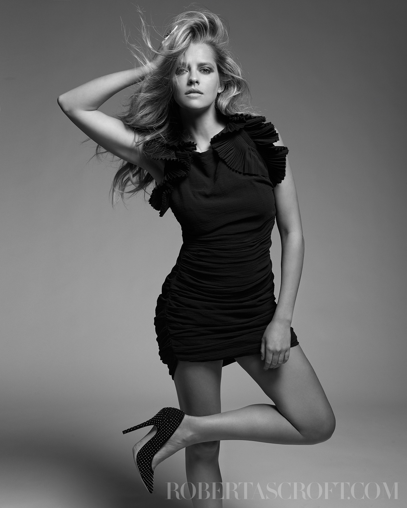 Teresa-Palmer-by-Robert-Ascroft-09