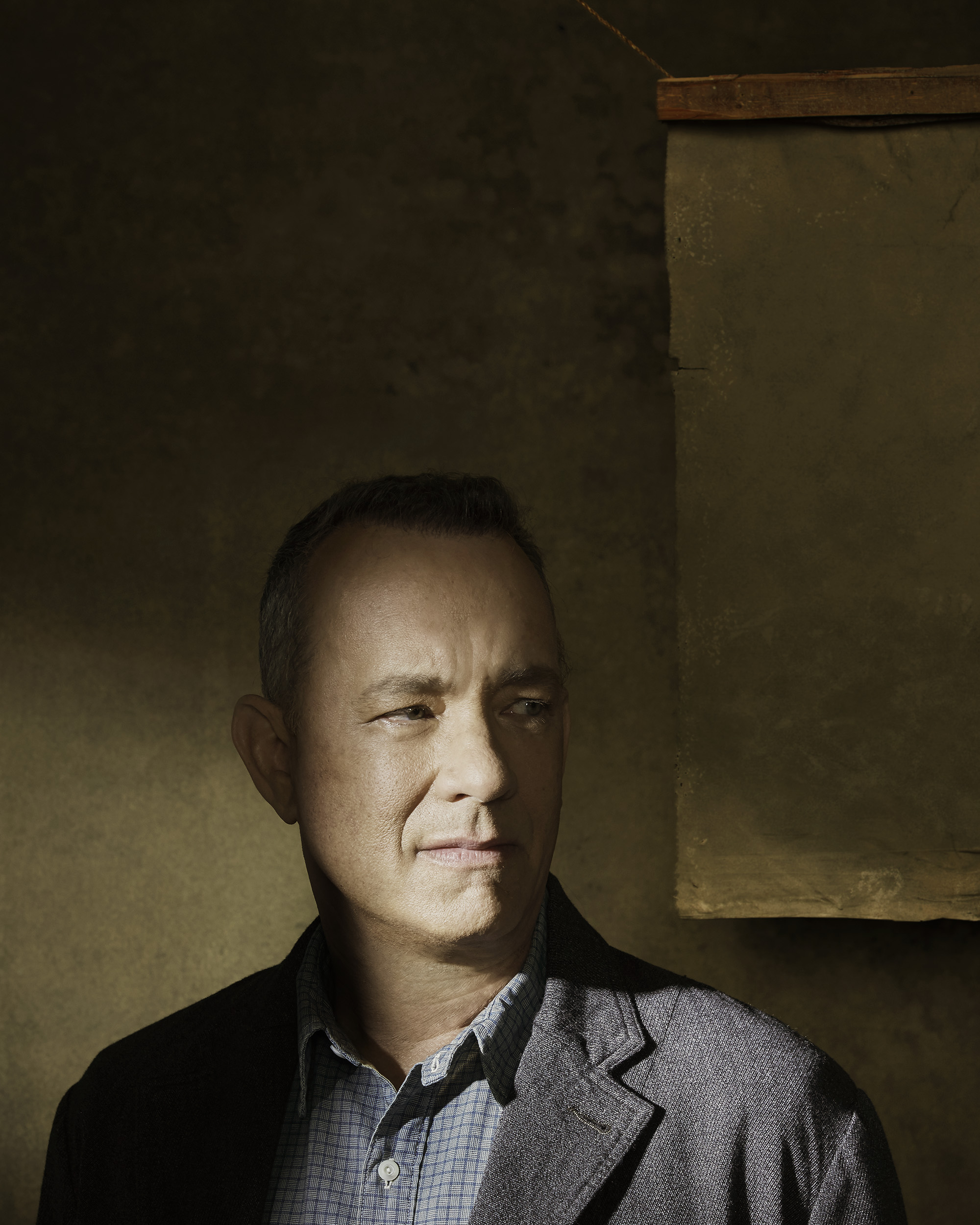 Tom-Hanks-By-Robert-Ascroft-03
