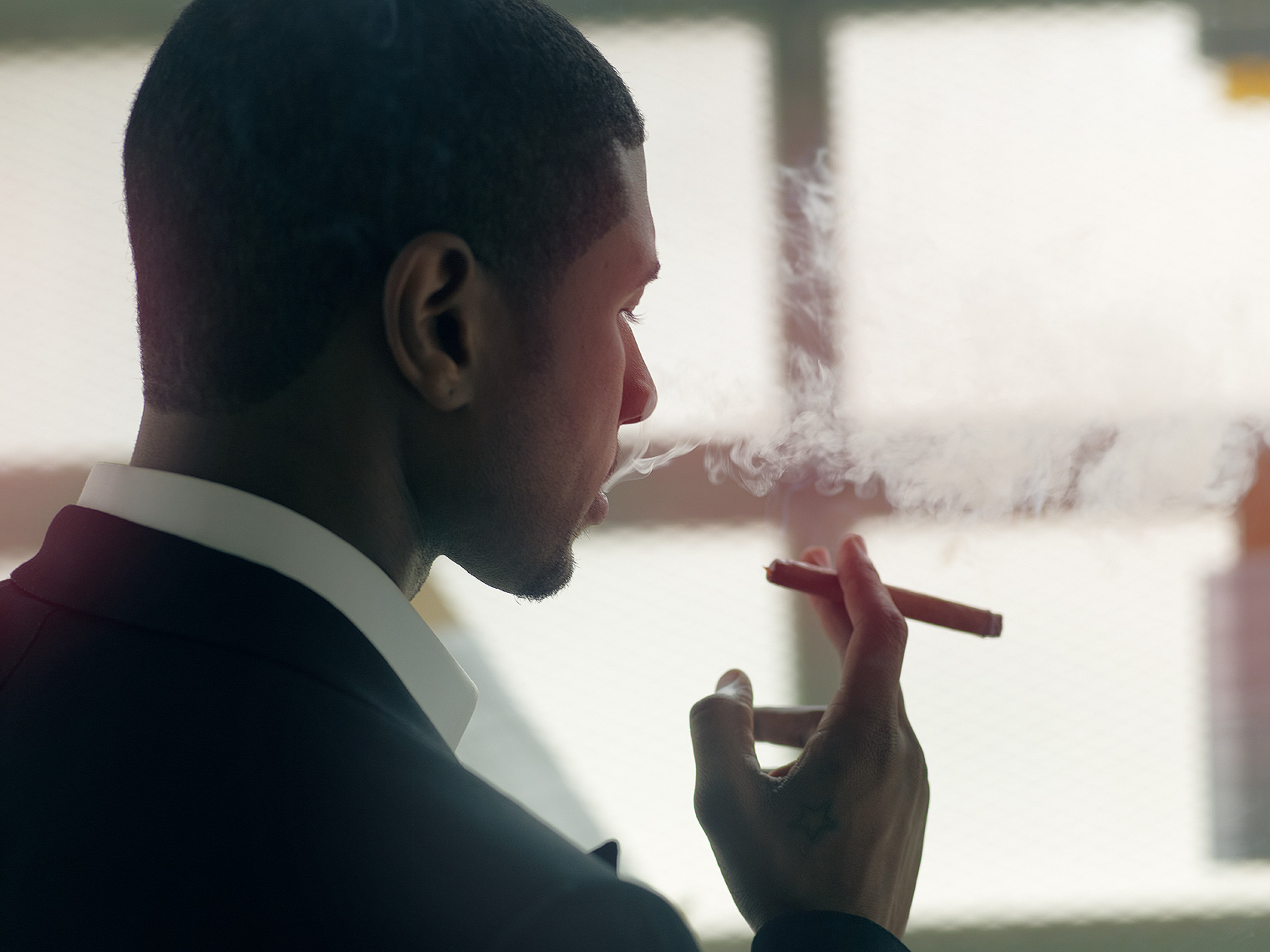 Usher-smoking-by-Robert-Ascroft.jpg